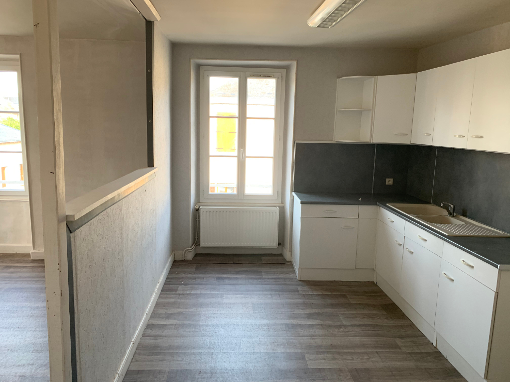 APPARTEMENT ET LOCAL ARDENTES